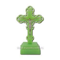 Το σταυρό στο πλαστικό με ένα ελαφρύ - φωσφόρου - 18,5 cm.