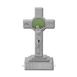 Το σταυρό στο πλαστικό με μια λάμπα - 13.5 cm